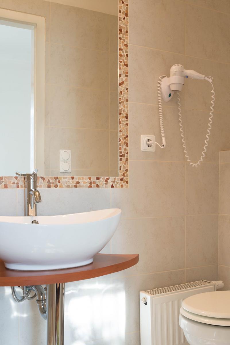 Kétszemélyes erkélyes fürdő